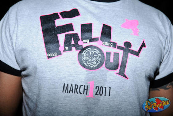 fall out -2011-151